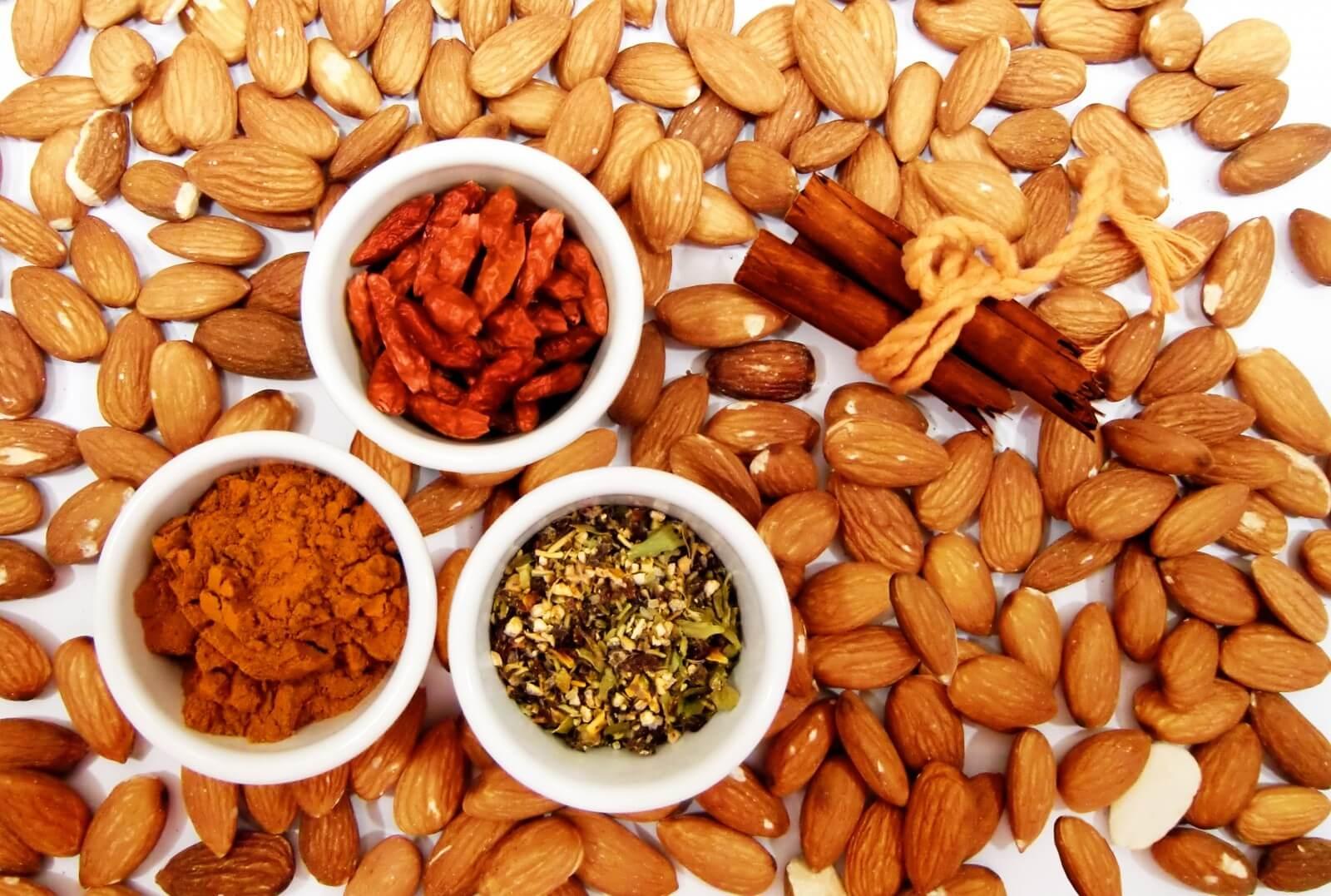 almonds-cinnamon-spices-chili-curry-vanilla